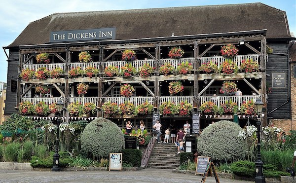 Dickens Inn London pub